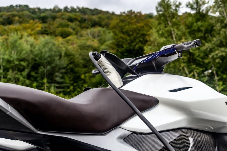Kunststoffgehäuse für die Elektromobilität, werden auch für E-Autos eingesetzt.