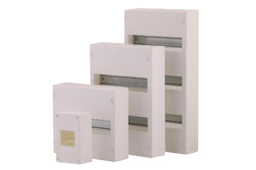 Das Gehäuse ist perfekt geeignet für kleine Einbauten, elektrischer/elektromechanischer Komponenten wie Klemmen, Taster, elektronische Baugruppen mit Platinen und Relaisbausteinen.