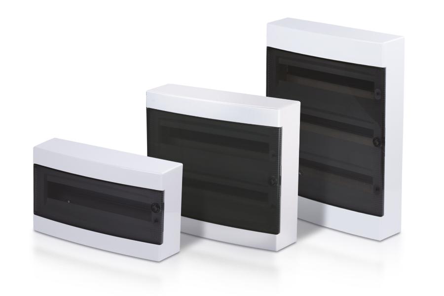 Industriegehäuse mit transparenten Deckel.