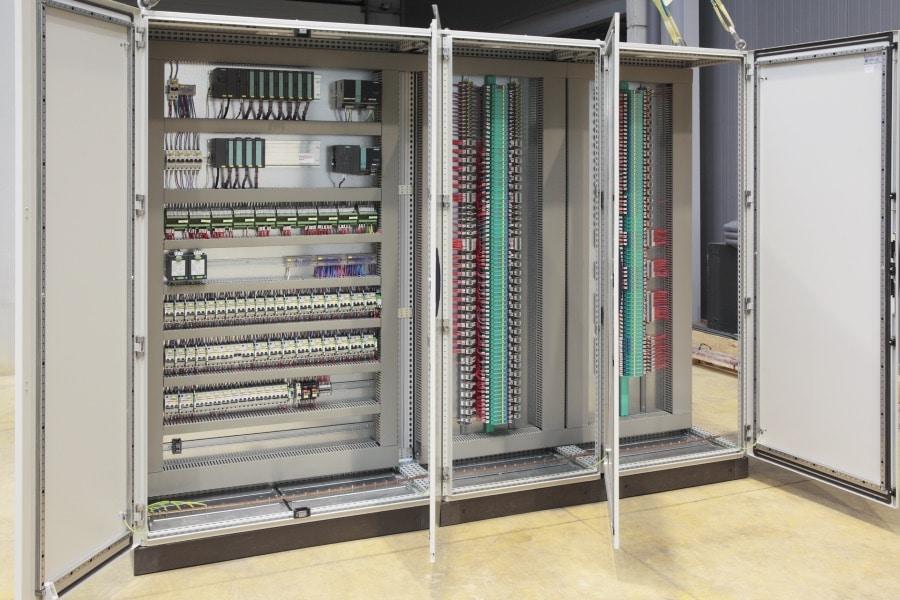 Schaltschränke für den Schaltanlagenbau von BOXEXPERT.