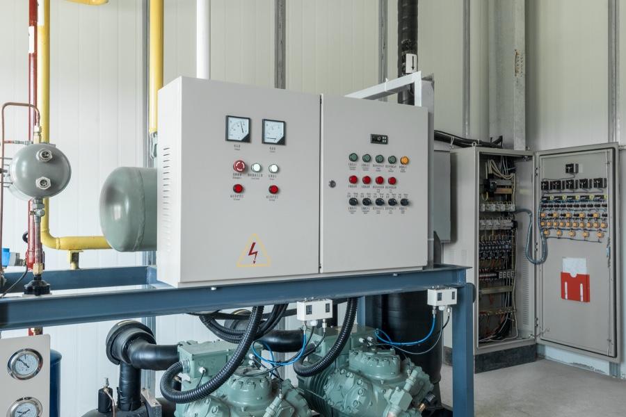 Die Gebäudetechnik benötigt Wandgehäuse zur Steuerung von Heizungsanlagen.